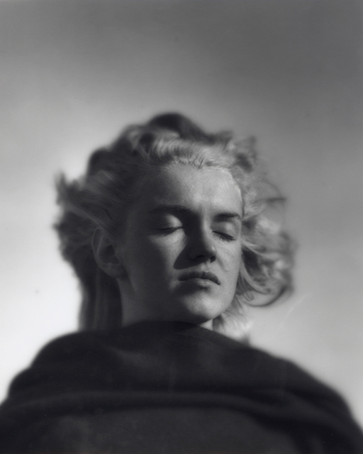 "ndré de Dienes, ""The Thinker"", Marilyn Monroe, North of Malibu, California, 1946."